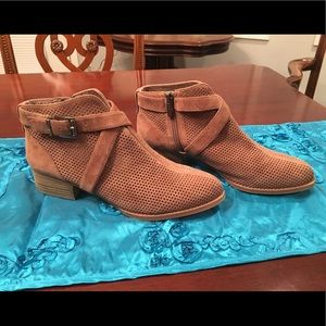 Vince Camuto Casha Taupe Suede Booties, Sz 7.5 M